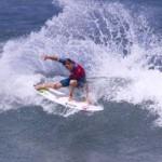 Costa Rossa, surfisti da tutto il mondo accorrono per darsi battaglia fra le onde della Sardegna. Una sfida elettrizzante attesissima.